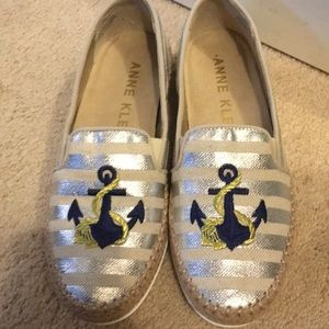 New Anne Klein Anchor Loafers Size 8